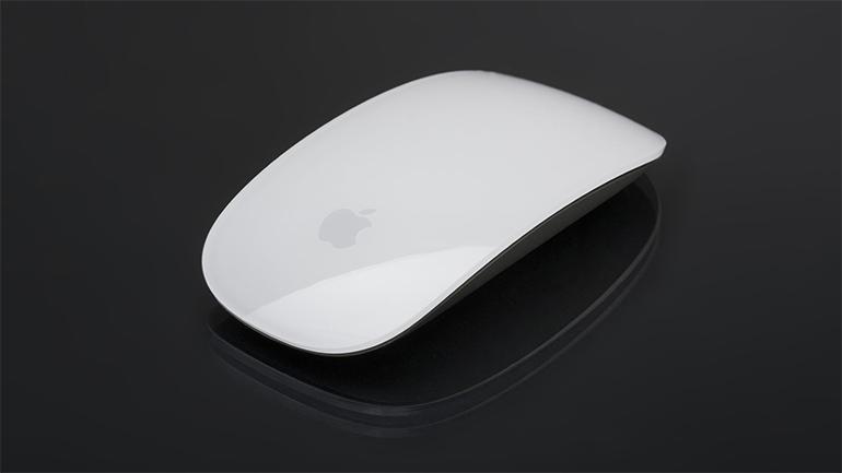 mouse mac pe fundal negru